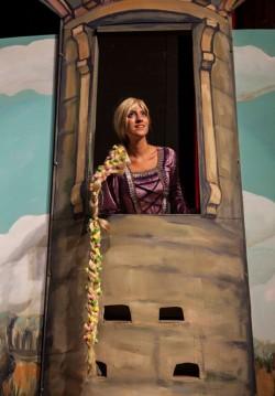 2017-10-22 13:00:00 Rapunzel ile Beyaz Atlı Prensi