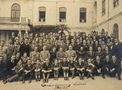 Batıya Açılan Pencere: Galatasaray Lisesi'nin 150 Yılı